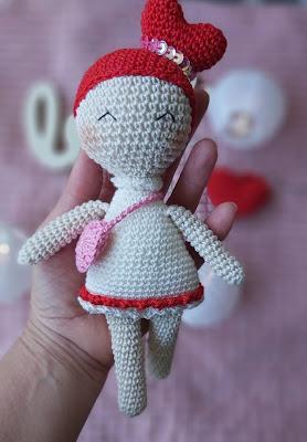 Bonequinha Amigurumi