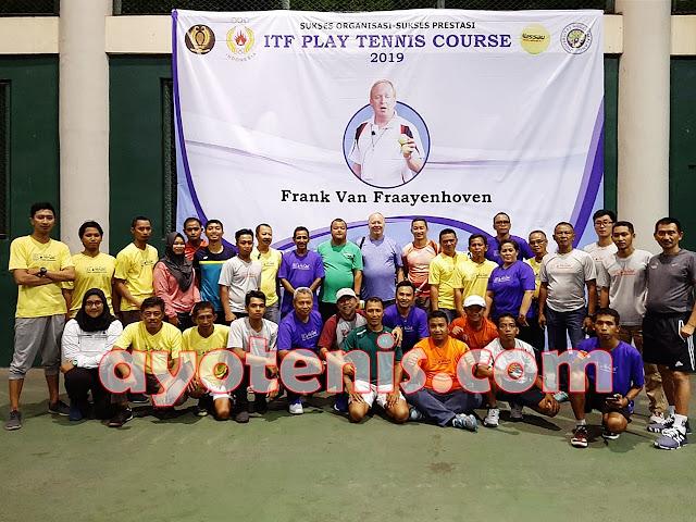 Kepelatihan PP PELTI Terima Bronze Recognition dari ITF