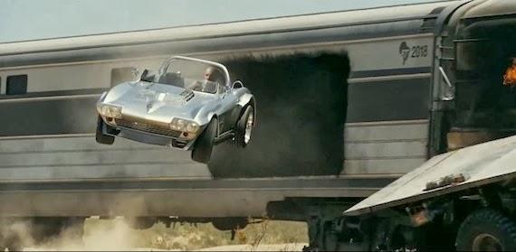 Dom huyendo del tren en marcha en Fast and Furious 5