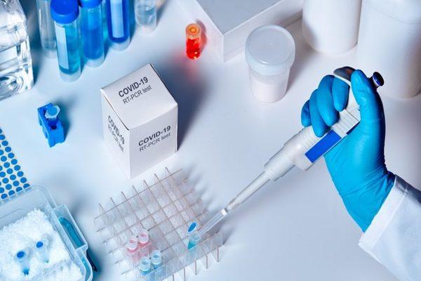 تقارير: هاكرز روسيون يعملون على قرصنة الأبحاث حول لقاح فيروس كورونا