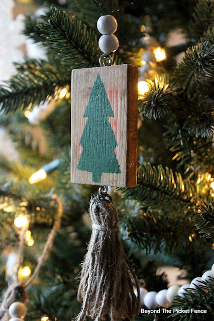 Easy DIY Ornaments Made From Blocks