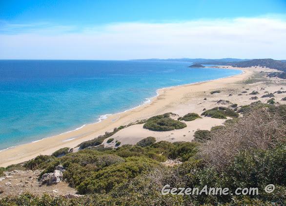 altın kumlu masmavi denizleri Karpaz sahilleri, Kıbrıs adası