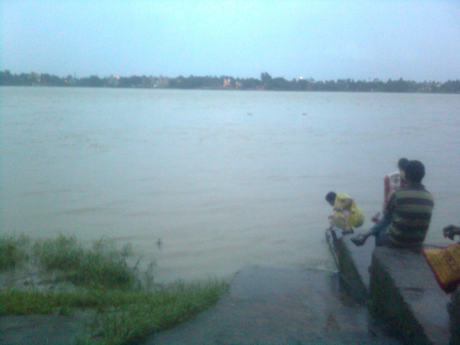 Ganges ghat at Mahadev Mandir nearby Raja Rajeshwari Temple, Konnagar, West Bengal