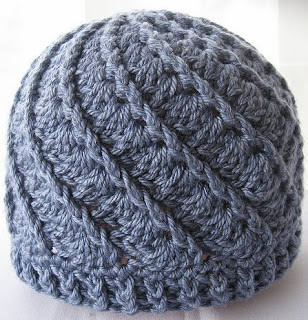 http://www.ravelry.com/projects/thekidneybean/divine-hat