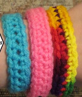 http://translate.googleusercontent.com/translate_c?depth=1&hl=es&rurl=translate.google.es&sl=en&tl=es&u=http://craftyghoul.com/2012/12/28/supportawareness-bracelet-free-crochet-pattern/&usg=ALkJrhhaAsa1NpsBajADxtIOfDnx2xBA7w
