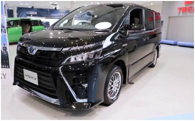 Toyota Voxy Hybrid terbaru