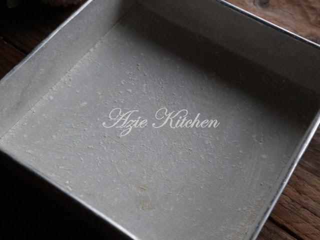 Kuih Bakar Istimewa Azie Kitchen - Keeper Recipe
