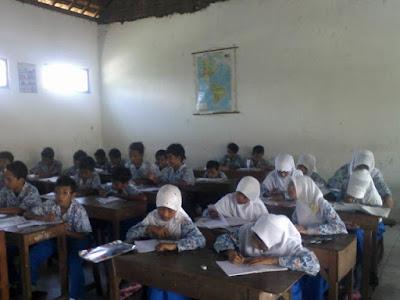 Soal UTS Bahasa Indonesia Kelas 1 2 3 4 5 6 SD/MI Semester 2 (Genap) Dan Kunci Jawaban
