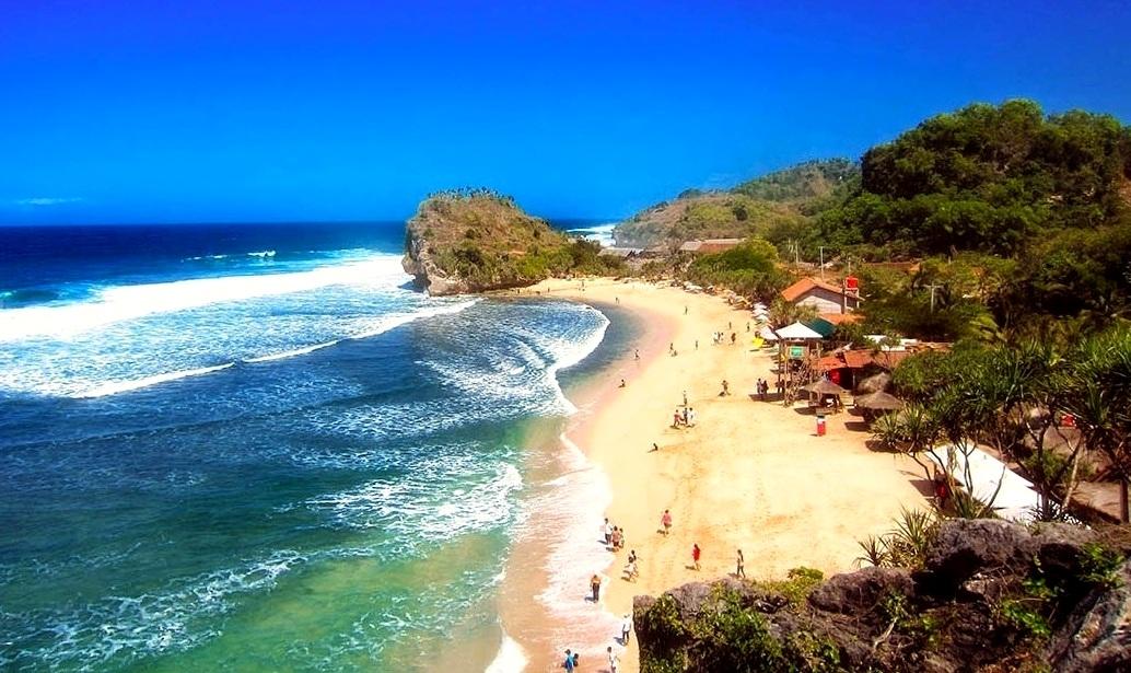 Main Pantai di Yogyakarta