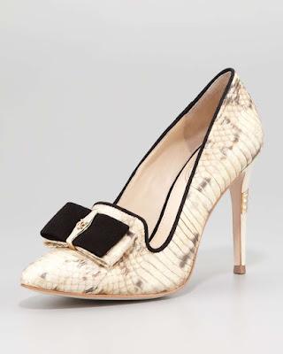 Zapatos de gala modernos