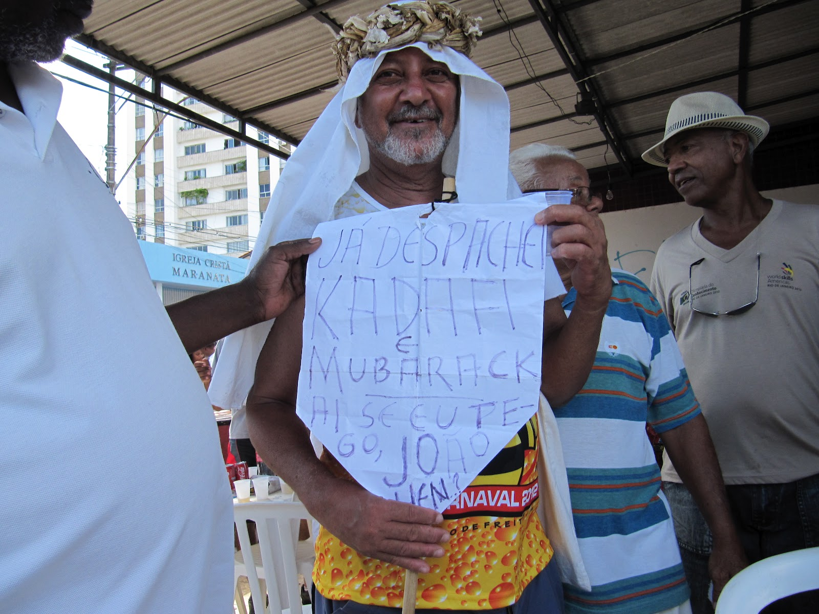 Irreverência e alegria da Mudança do Garcia Blog do Rio Vermelho  #2A5AA1 1600x1200 Atenção Banheiro Interditado