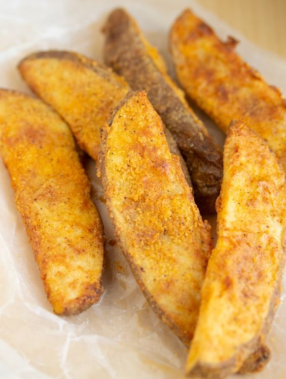AIR FRYER POTATO WEDGES (KFC COPYCAT)