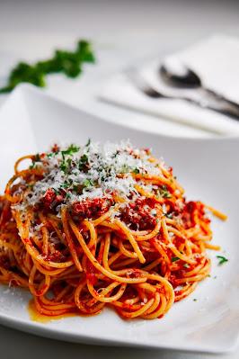 https://www.google.com/search?q=spaghetti&sxsrf=ALeKk020EEfViqkIhmtfcvTFBuJbbnFogg:1626140113026&source=lnms&tbm=isch&sa=X&ved=2ahUKEwj1pqr-897xAhXSG80KHbOtAXUQ_AUoAXoECAEQAw&biw=1242&bih=516#imgrc=3up-d8Y_frAZEM