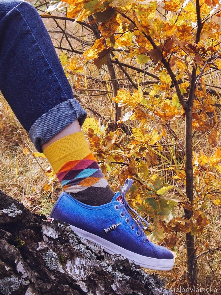 4 ogrodniczki jak dobrać do sylwetki hit czy kit gdzie kupić ogrodniczki jak nosić ogrodniczki pomysł na stylizację z ogrodniczkami jak ubierać się jesienią pomysł na żółty sweter jak nosić kolorowe skarpetki