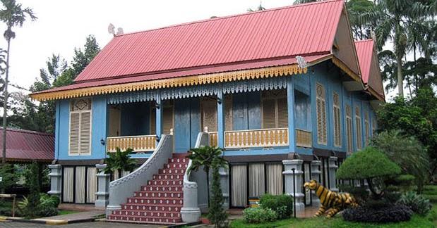 Rumah Adat Kepulauan Riau Belah Bubung Gambar Dan