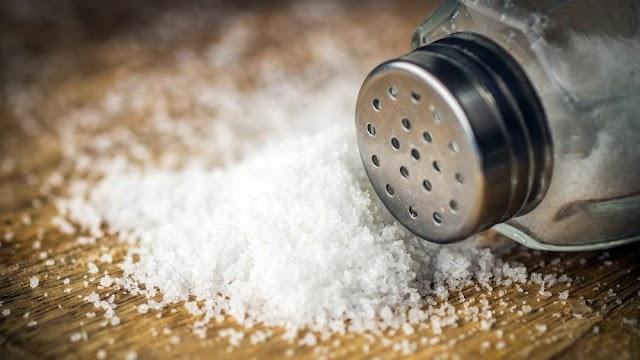 Desafio do sal: Nova 'brincadeira' pode colocar a vida dos adolecentes em risco
