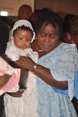 2g - Bayelsa Governor, Seriake Dickson and wife, Rachael dedicate their quadruplets in Church (photos)