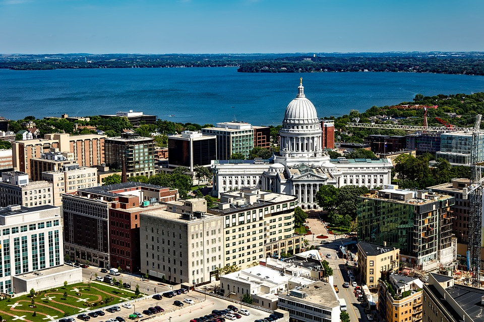 Downtown Madison Wisconsin Isthmus Stock Photo - Download Image Now - iStock