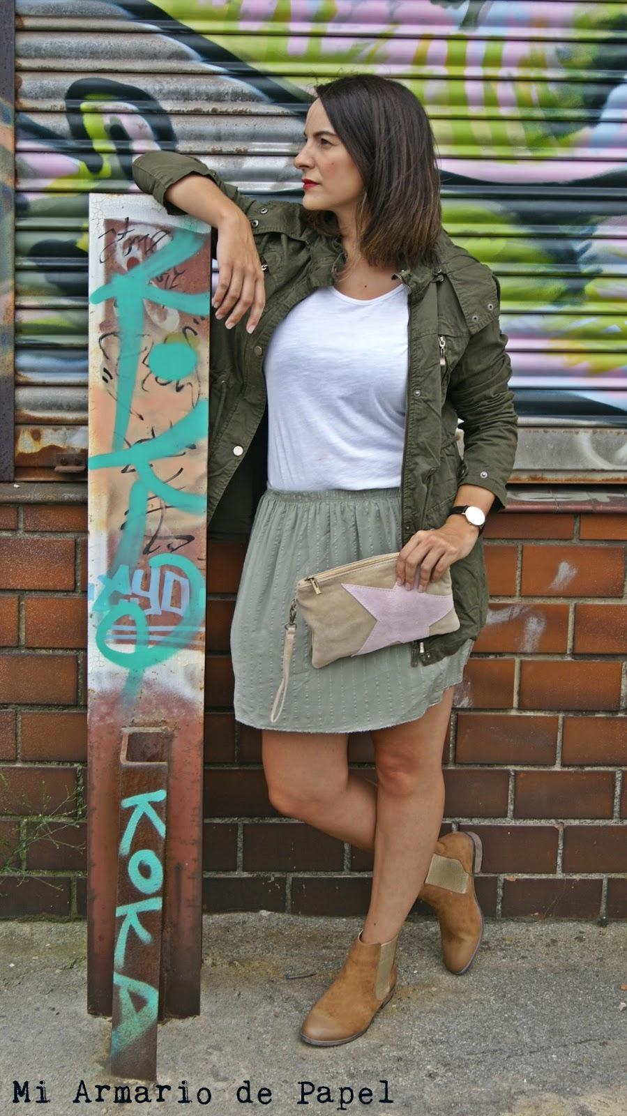 832519696 Outfit: Cómo Combinar una Falda Verde - Mi Armario de Papel