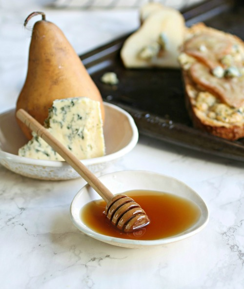 Hungry Couple: Pear, Blue Cheese and Honey Tartine