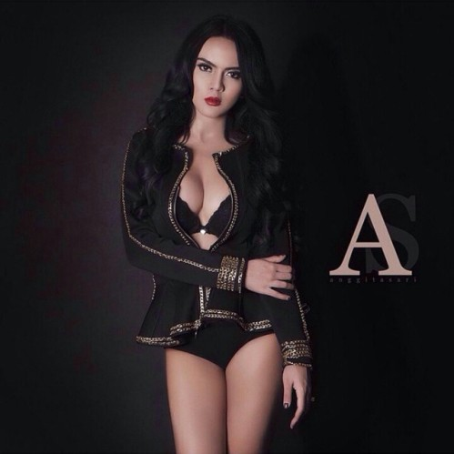 Koleksi Foto Sexy Instagram Anggita Sari PSK Model BokinganArtis Online, Model Cantik Sexy Hot Majalah Dewasa dan Artis Film dan Sinetron TV | www.insight-zone.com
