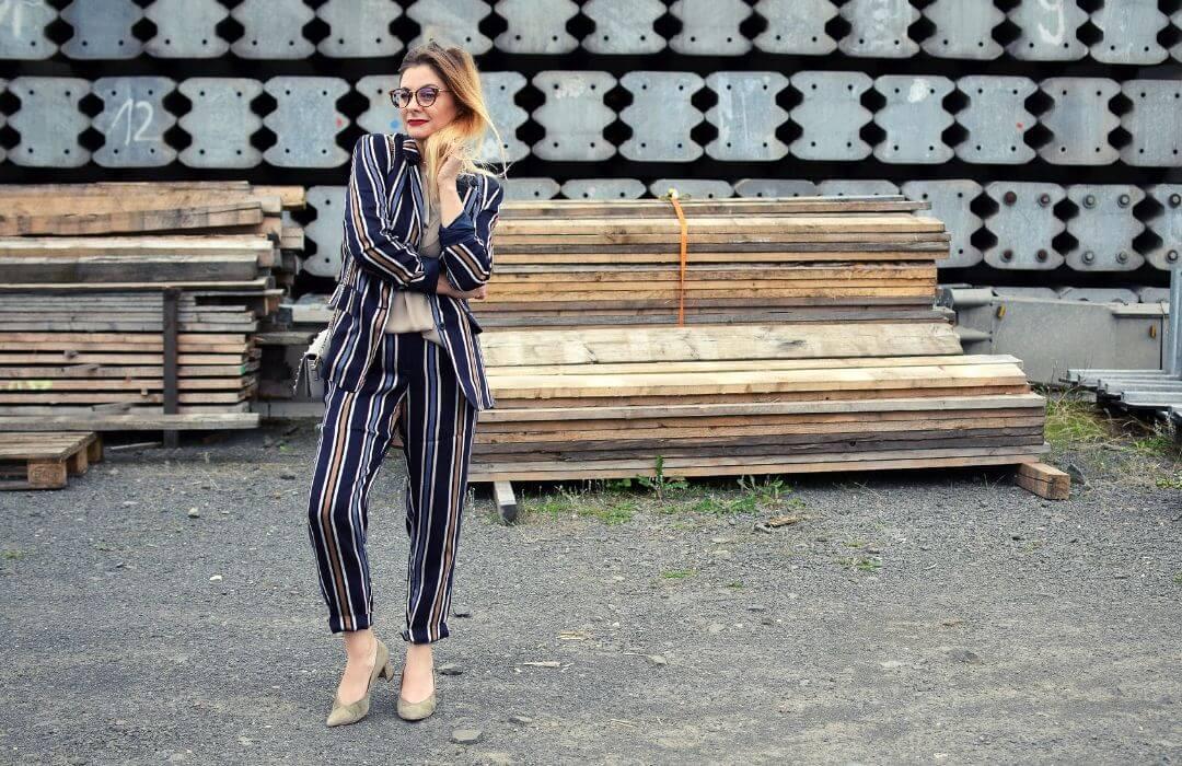 Business-Anzug-Damen-Streifen