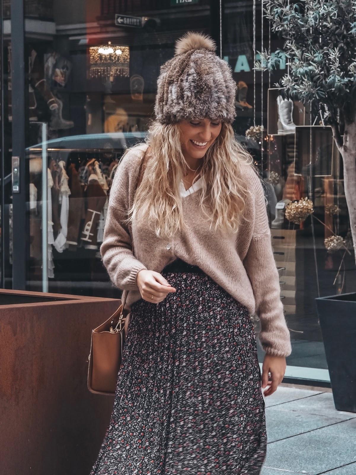 como llevar falda midi en invierno