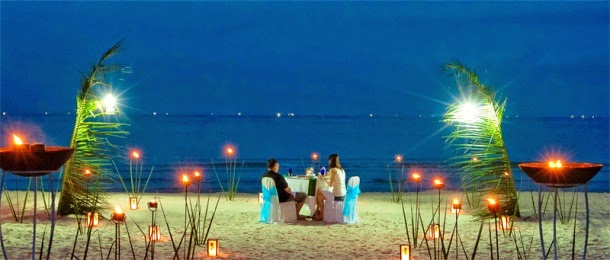romantic dinner beach front at Bintan lagoon resort