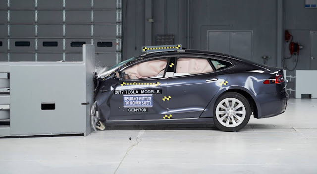 Tesla Model S accidente