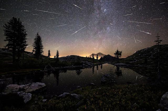 Perseid Meteors seen over Mount Shasta