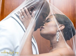 Nigerian couplw who met through the social media in US weds