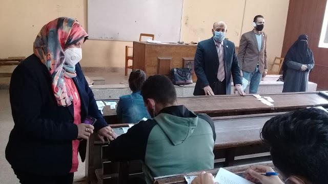 جامعة الفيوم: استمرار إجراء امتحانات الفصل الدراسي الأول بكلية الخدمة الاجتماعية