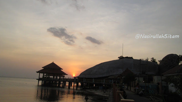 Sunset di pantai Kartini Jepara