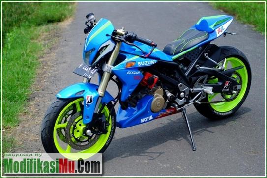 Hasil Modipikasi Paling Keren - Modifikasi Suzuki Satria FU 150 ala Moto GP Sederhana Tapi Keren