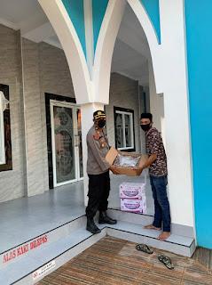 Ramadhan ditengah Pandemi 19, Polsek Ujung Tanah Semangat berbagi dengan Warga