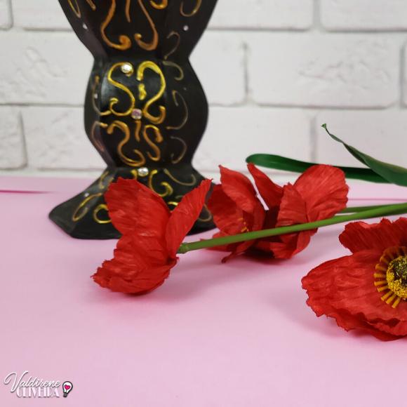 vaso preto com dourado para decoração