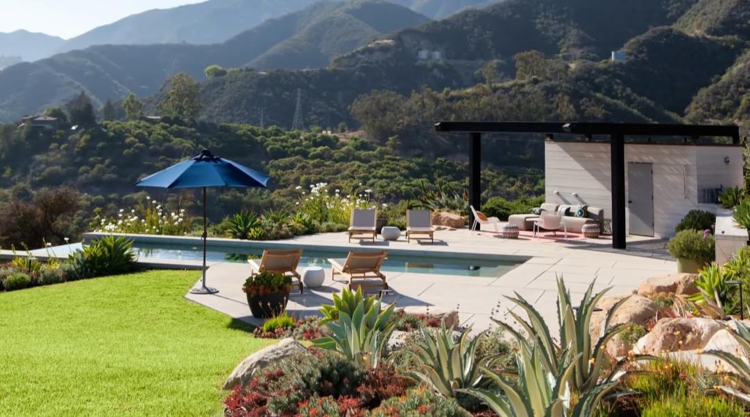 19 Interior Design Photos vs. 3660 Toro Canyon Park Rd, Santa Barbara