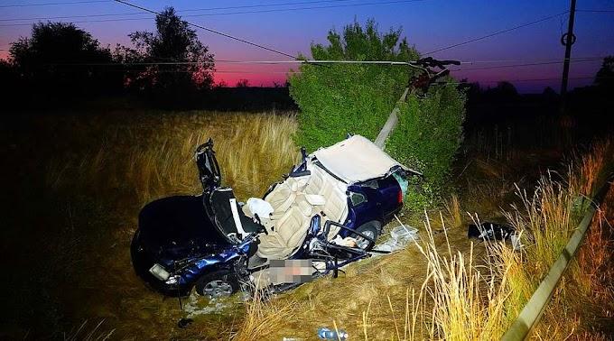Baleset Vésztő és Szeghalom között: elhunyt a villanyoszlopnak ütköző autó vezetője