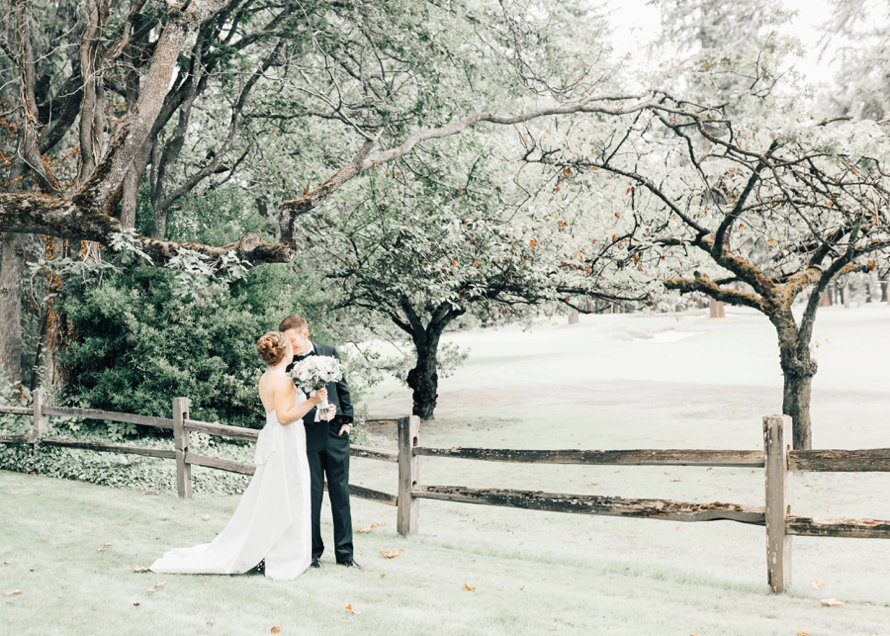 Romantic Tacoma Country and Golf Club | Fall Wedding | Something Minted Photography