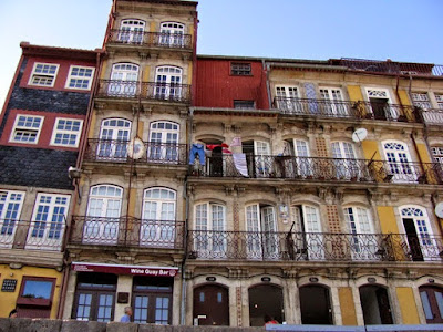 Fachadas das casas da Ribeira do Porto
