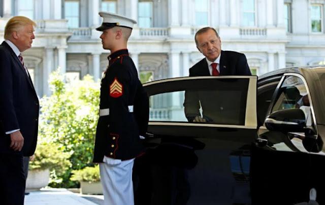 """«Θα καταστρέψω την τουρκική οικονομία»… """"βρυχάται"""" ο Τραμπ! Ποιες κυρώσεις επιβλήθηκαν - Ο Ακάρ κι άλλοι δυο υπουργοί στο στόχαστρο"""
