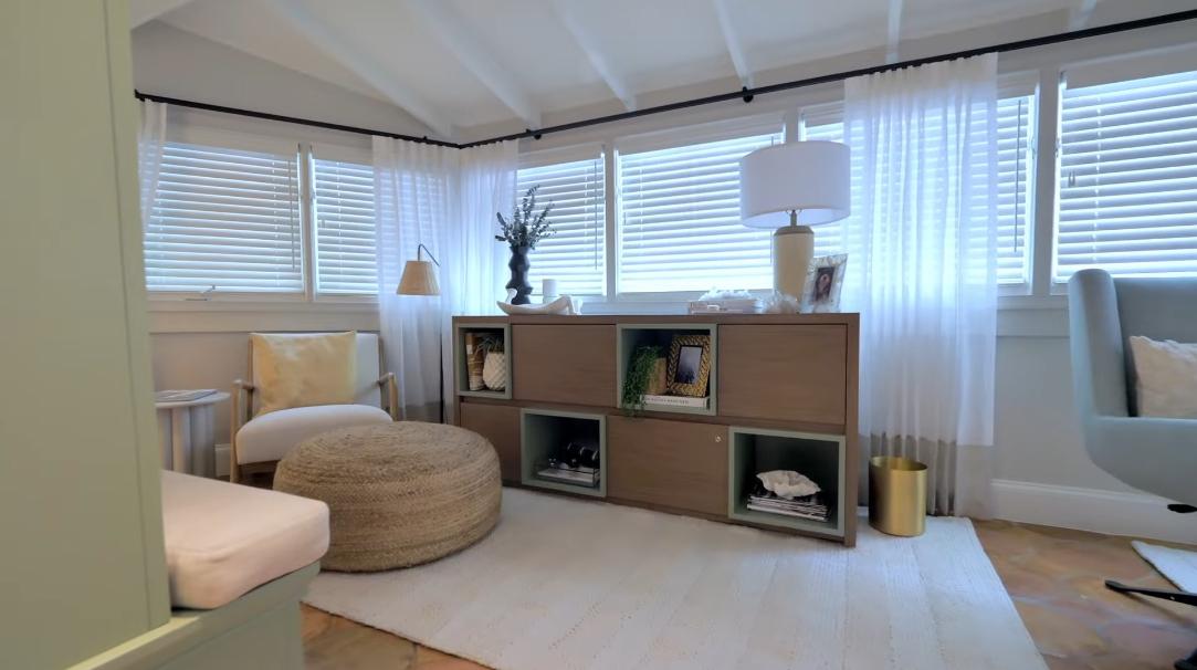 49 Interior Design Photos vs. 6401 Pine Tree Dr Cir, Miami Beach, FL Ultra Luxury