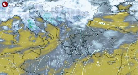 Νεφελώδης ο καιρός αύριο λόγω μεταφοράς αφρικανικής σκόνης - Λίγες τοπικές βροχές στα Βόρεια ηπειρωτικά