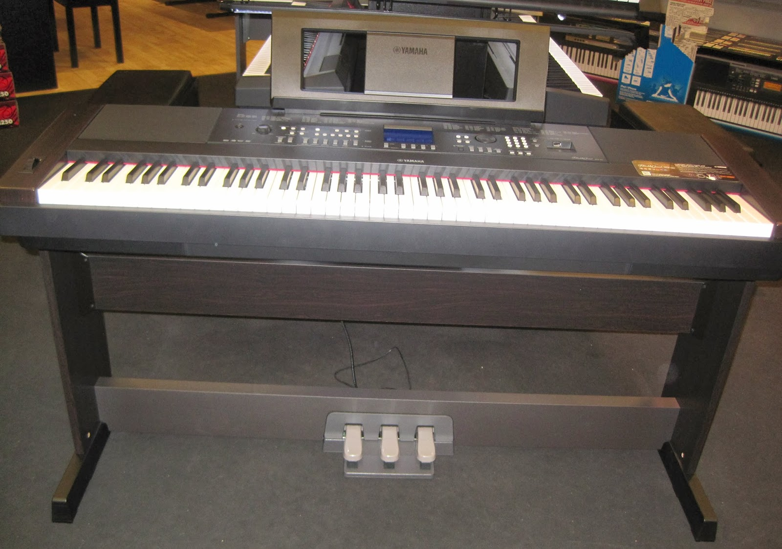 AZ PIANO REVIEWS: REVIEW - Yamaha DGX650 Digital Piano - Recommended