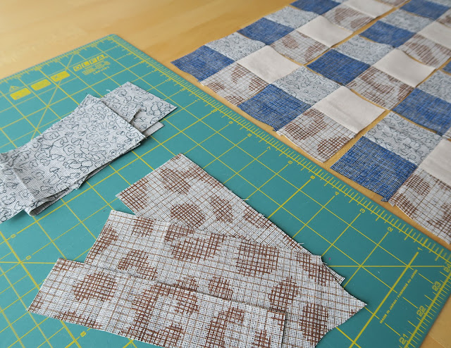 Luna Lovequilts - Gingham quilt block - Piecing in progress