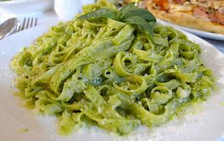 Pasta with Basil Pesto (Feslegenli Pesto Soslu Makarna)