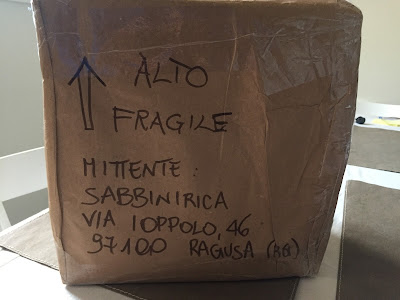 Package sent in Italy with sender or mittente written.