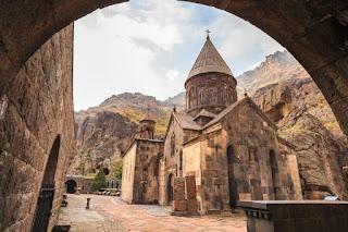 Iglesia principal del Monasterio de Geghard - Armenia