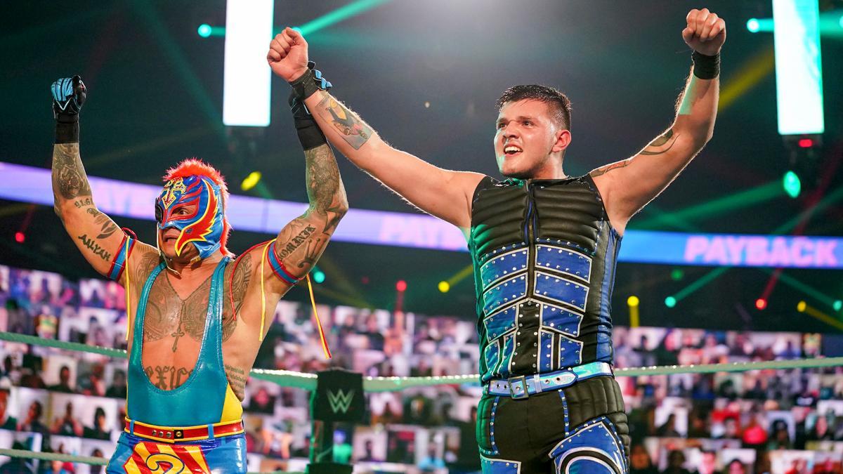 Rey Mysterio e Dominik Mysterio testaram positivo para COVID-19