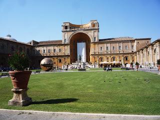 CORTILE Pigna - A antiga Basílica de São Pedro (chamada Basílica Constantiniana)